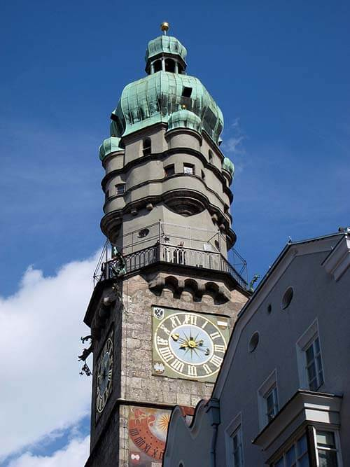 Innsbruck City Tower / Stadtturm - image credit By Daderot [Public domain], from Wikimedia Commons